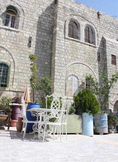 1 1 408x560 - Где остановиться в Иерусалиме. Отзыв о хостеле Hebron Youth Hostel